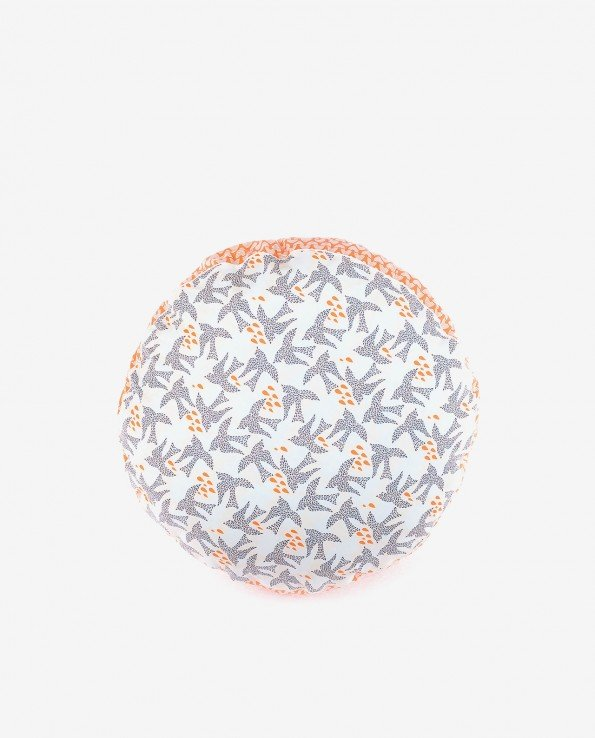Декоративный пуфик–подушка