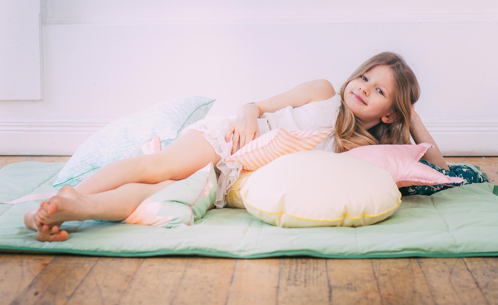 Одеяла и маты