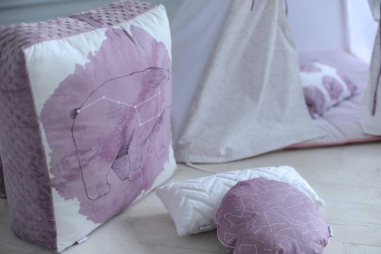 "Пуфик и подушки к вигваму ""Звездное небо – Пурпур"""