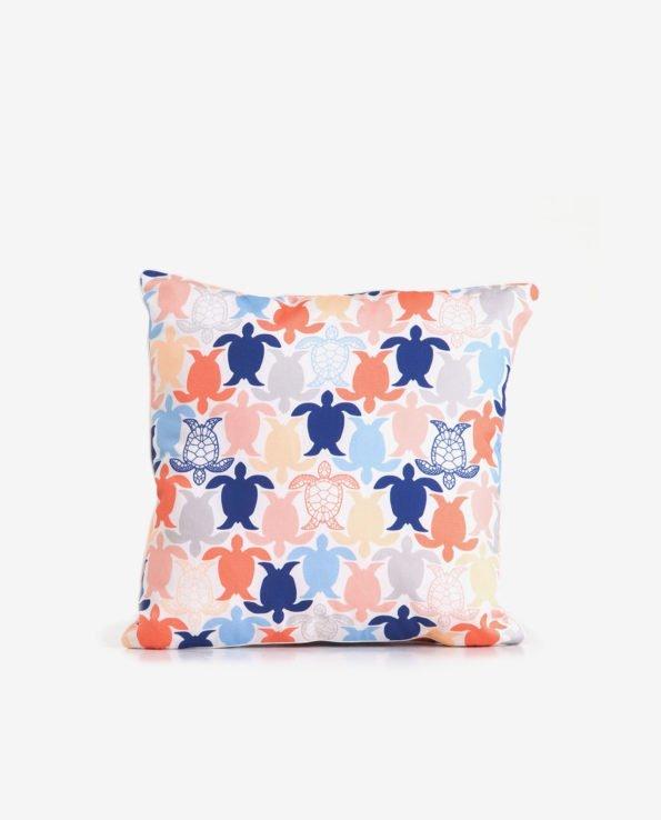 Декоративная подушка для стилизации комнаты
