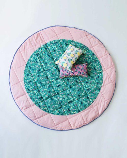 Напольный игровой коврик с подушкой