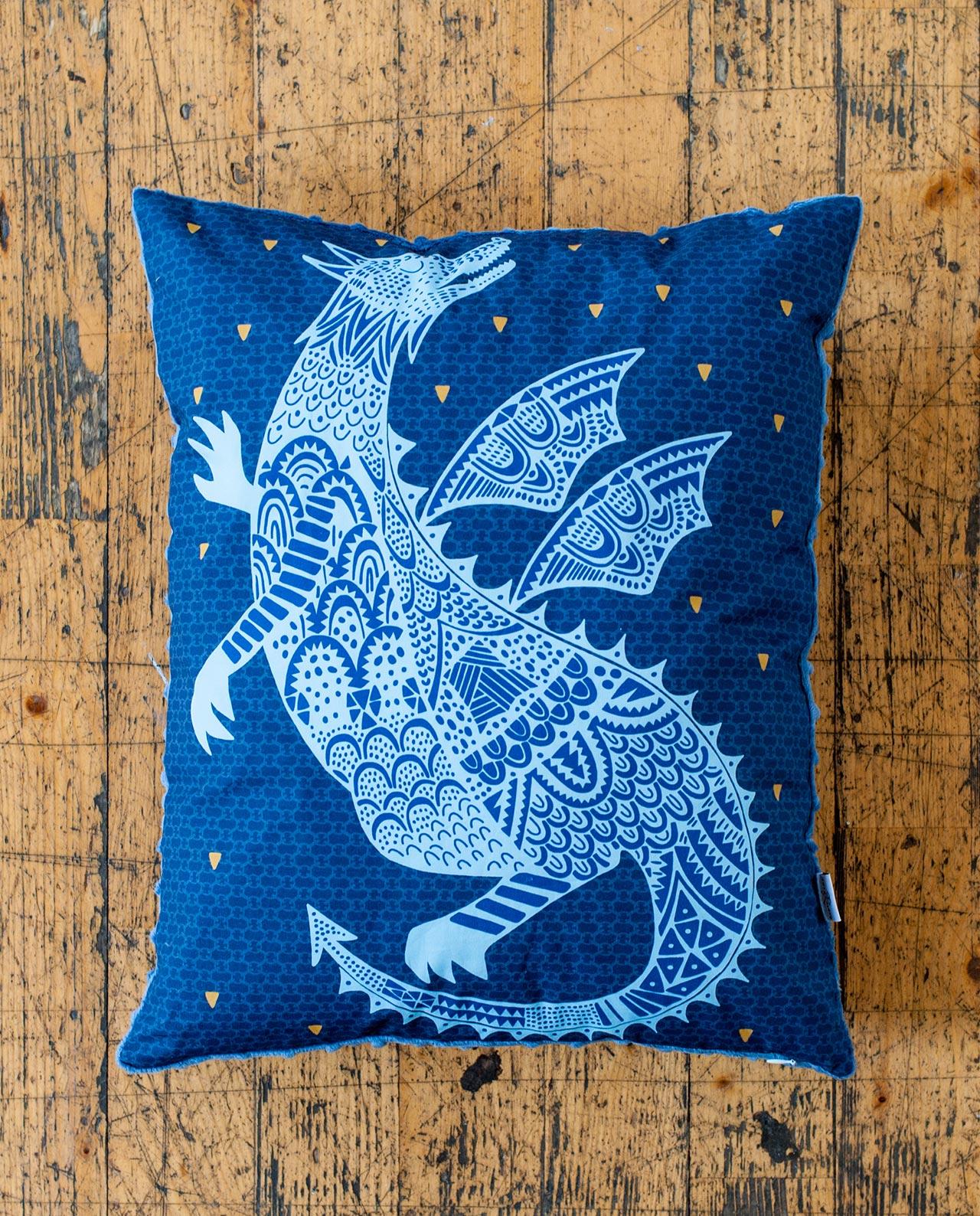 Декоративная прямоугольная подушка «Сказочный дракон»