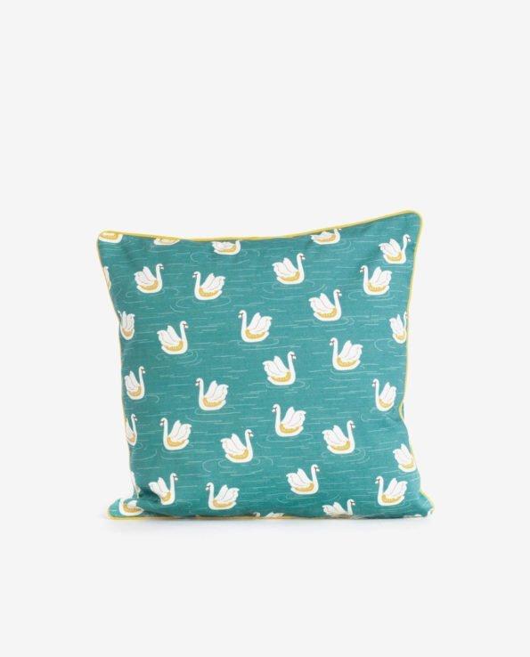 Декоративная квадратная подушечка «Лебеди».