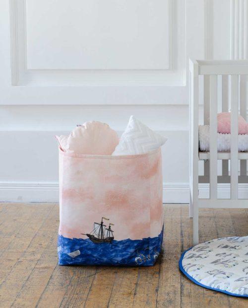 Большая корзина для игрушек из ткани «Морское путешествие»