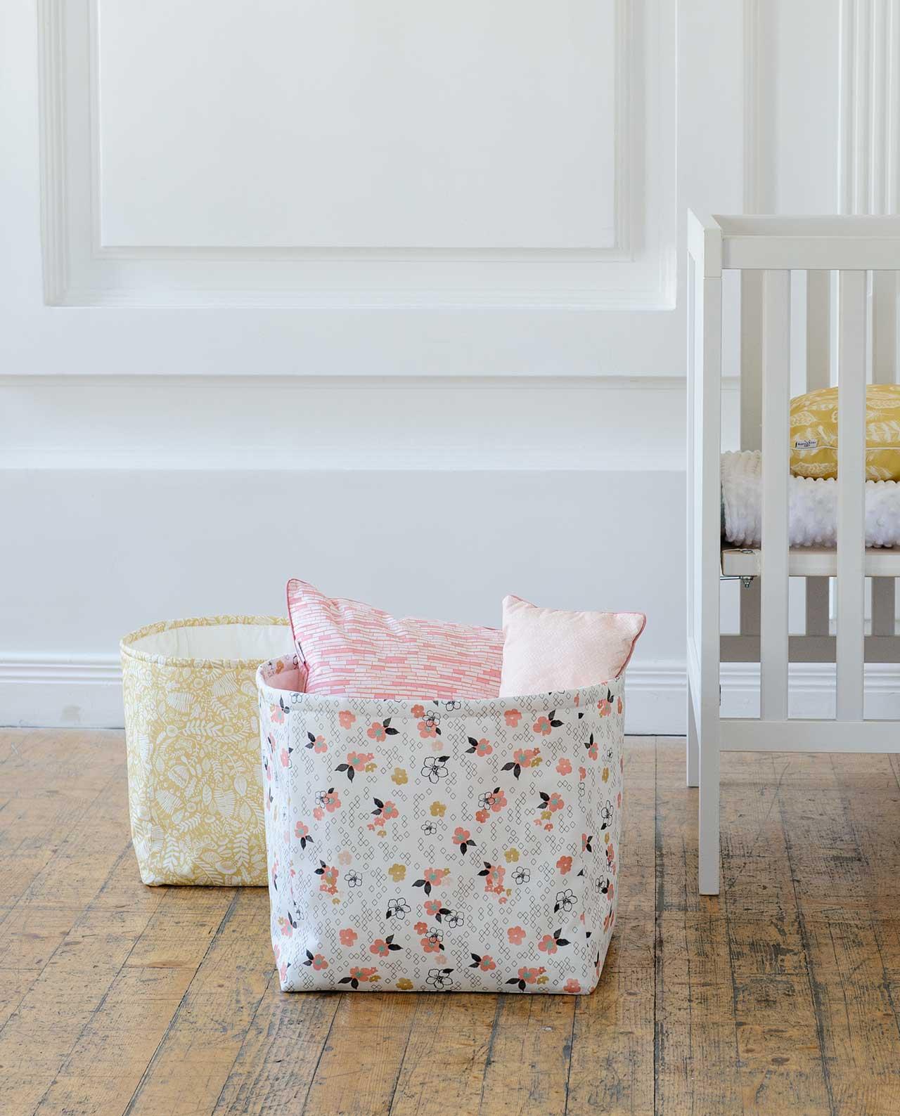 Декоративная корзина для игрушек из ткани «Бэмби»