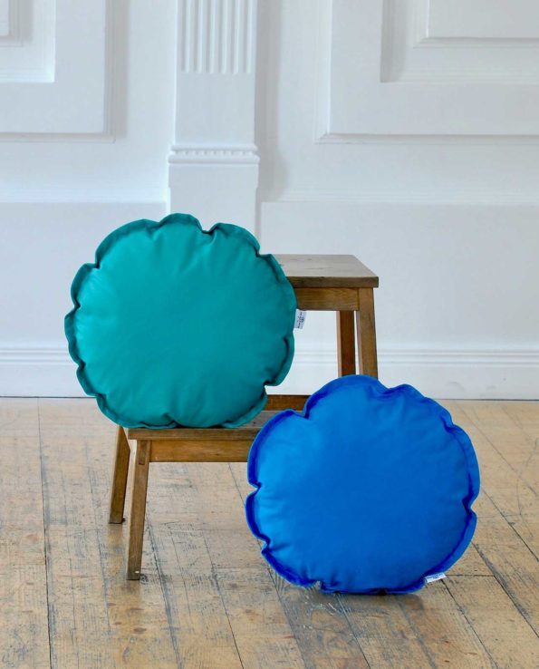 Круглые однотонные подушки