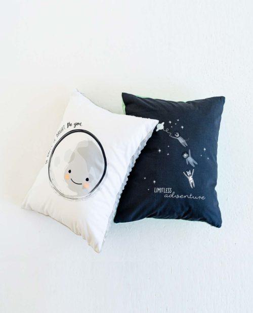 Подушечка прямоугольная «Луна»